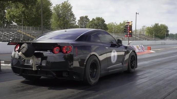AMS GT-R Record Run