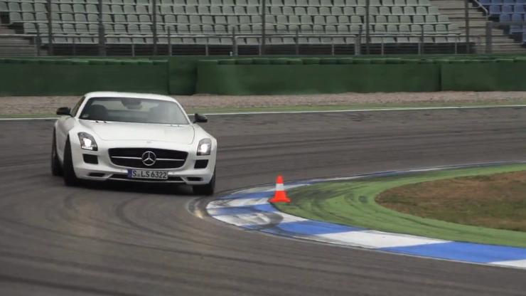 Chris Harris demonstrates oversteer in the Mercedes-Benz SLS AMG GT