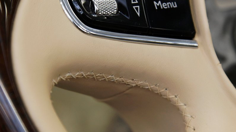 Building the 2011 Bentley Mulsanne's interior