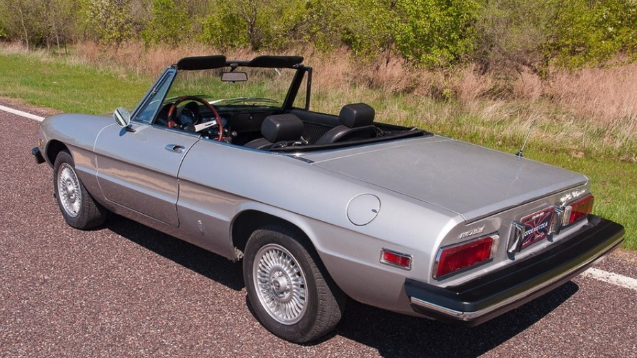 1976 Alfa Romeo Spider owned by Muhammad Ali