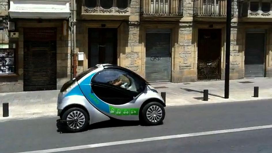 Hiriko folding electric city car