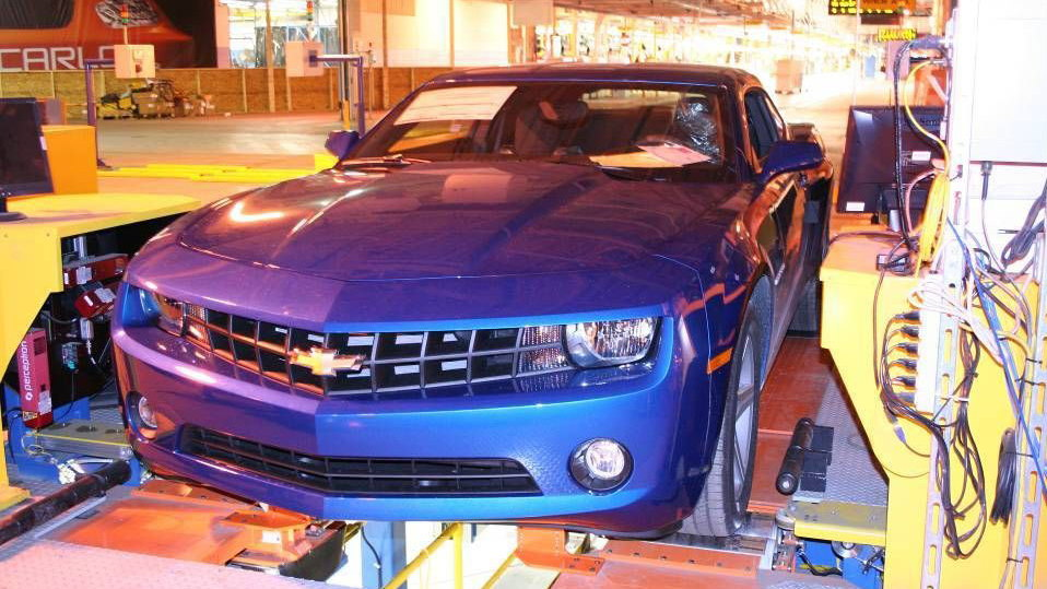 2010 chevrolet camaro production line 017