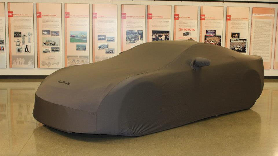 Delivery of the last Lexus LFA shipped to America - image: Lexus