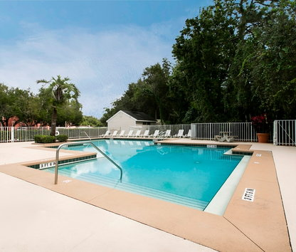 Reviews prices for castle woods apartments casselberry fl for 1131 castle wood terrace casselberry fl 32707