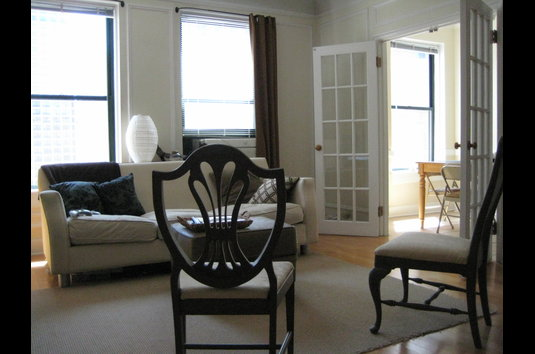 Reviews & Prices for 10 West Elm Street Apartments (managed by ...