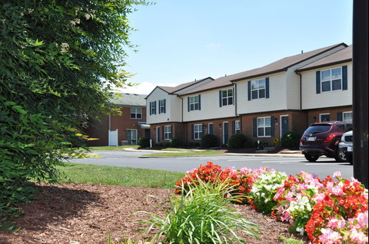 Ordinaire Image Of College Square At Harbour View Townhouse Apartments In Suffolk, VA
