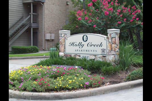 Bon Holly Creek Apartments