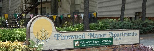 Pinewood Manor
