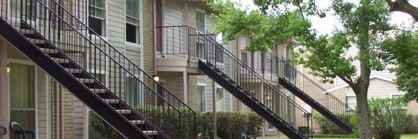 Ashton Oaks Apartments