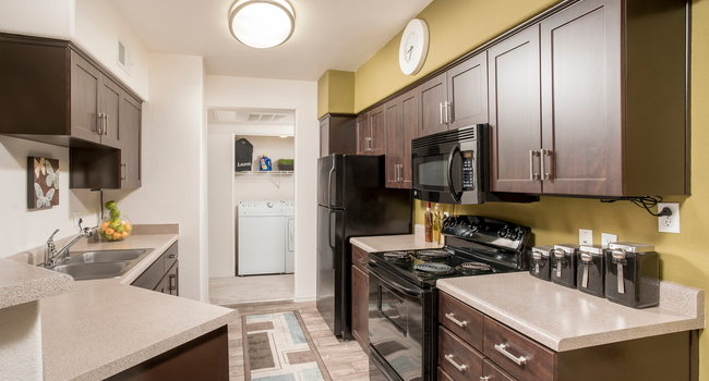 Image Of Cityscape At Lakes Apartments In Tempe Az