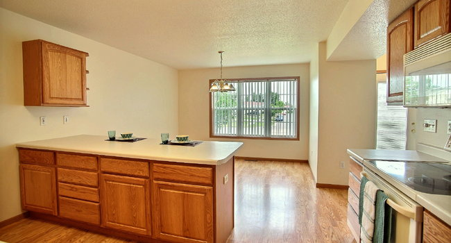 Times Square Townhomes | 2 Bedroom | Kitchen | Dining