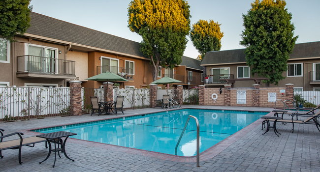 Image Of Beachwood Apartments In Anaheim, CA