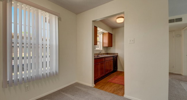 Image Of Golden Crest Apartments In Odessa Tx.