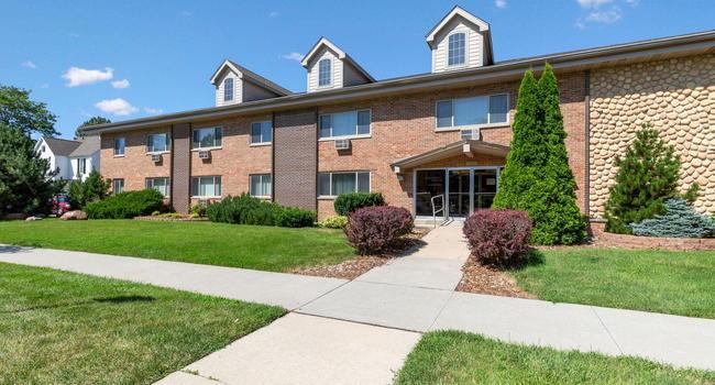 University Manor Apartments - 53 Reviews | Cedar Falls, IA ...