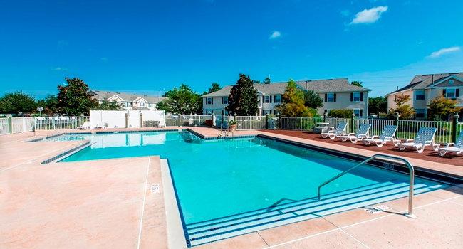 Regatta Bay 49 Reviews Kissimmee Fl Apartments For Rent Apartmentratings C