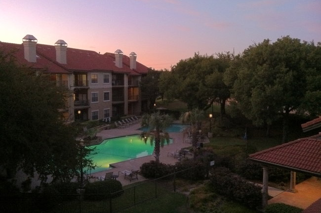 Resident Photo Of Waters Edge Apartments In Plano Tx
